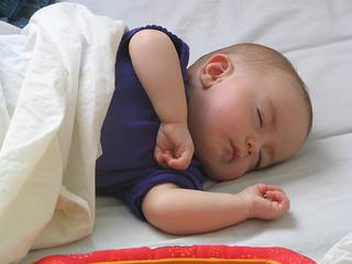 Le bébé qui ne s'endort qu'au sein